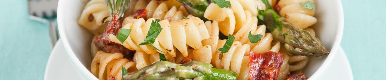 Recept Těstoviny se zeleným chřestem a sušenými rajčaty